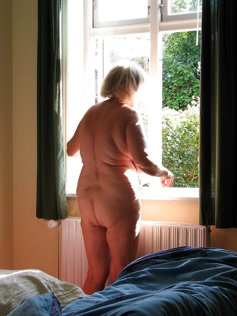 from Xavier naked older women with big ass and boobs
