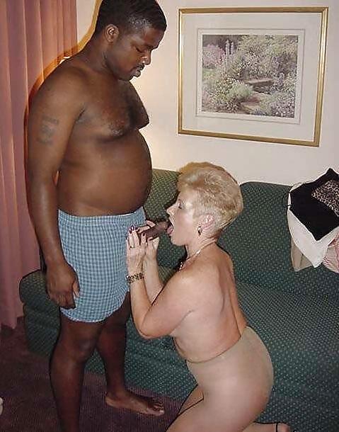 Mature milf interracial blow job pictures