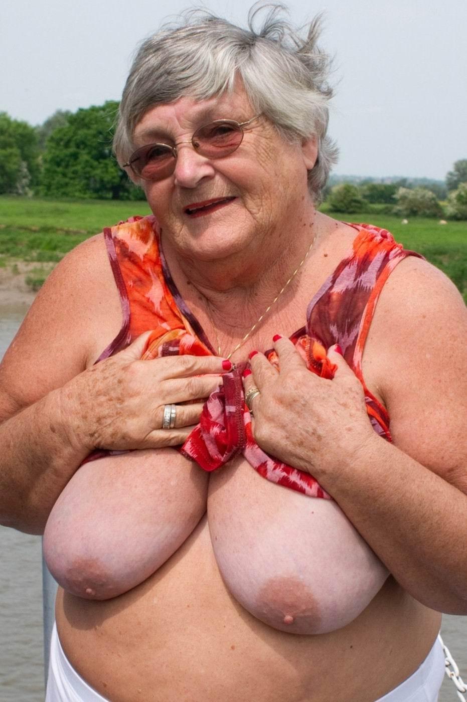Best granny boobs