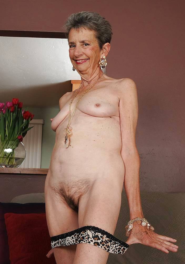 Mature slut liisa is fucking her plump pussy with a toy 5
