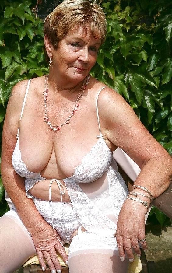 Mature old granny hot