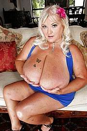 granny-big-boobs019.jpg