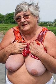 granny-big-boobs081.jpg