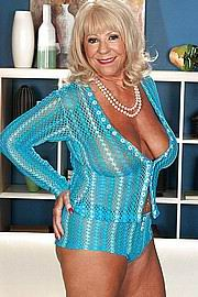granny-big-boobs113.jpg