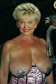 granny-big-boobs195.jpg