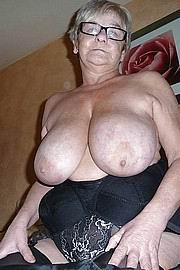 granny-big-boobs201.jpg