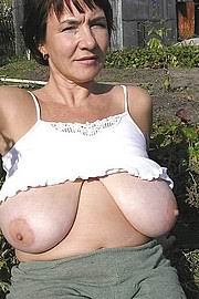granny-big-boobs232.jpg