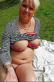 granny-big-boobs339.jpg