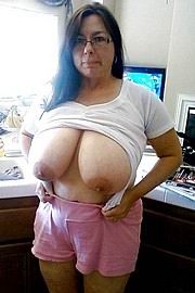 granny-big-boobs382.jpg
