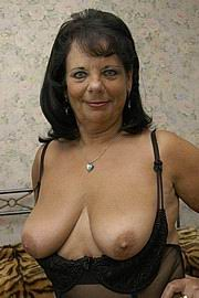 granny-big-boobs389.jpg