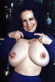 granny-big-boobs415.jpg