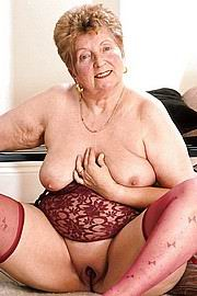 granny-big-boobs445.jpg