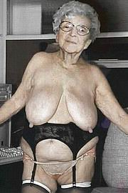 granny-big-boobs461.jpg