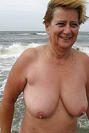 granny-big-boobs464.jpg