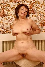 granny-big-boobs488.jpg