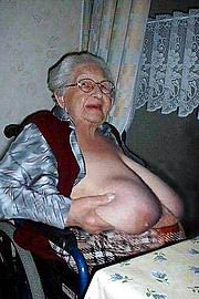granny-big-boobs493.jpg