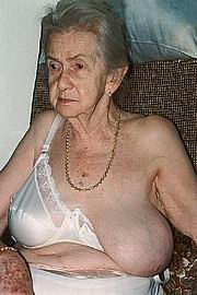 very-old-amateur-granny07.jpg